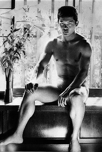 22 fotografías para admirar la desnudez y el erotismo de los hombres en Japón 9