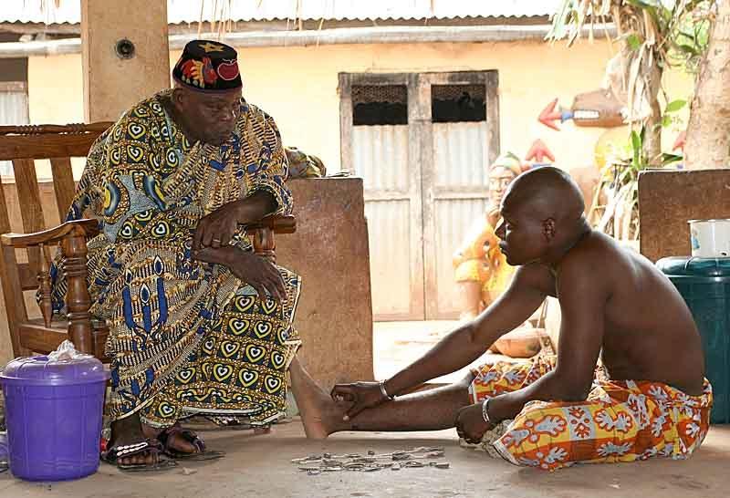 24 fotografías de sacrificios y vudú en África 23