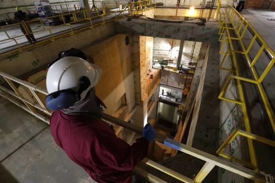 desmantelan central nuclear en espana 3