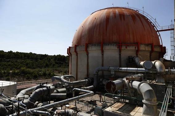 desmantelan central nuclear en espana 2