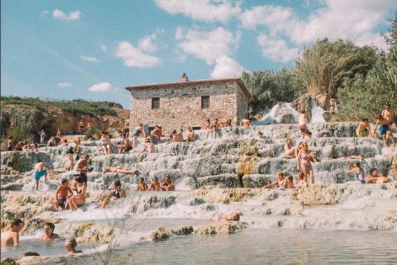 masturbarse en publico no es delito en italia 4