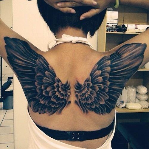 tatuajes de alas para mujeres 4