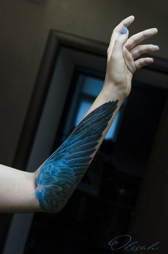 tatuajes de alas para mujeres 5
