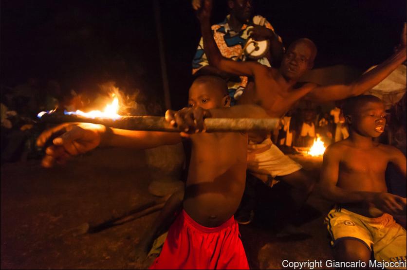 24 fotografías de sacrificios y vudú en África 10