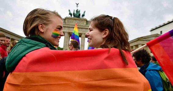 alemania celebra su primer matrimonio homosexual 2