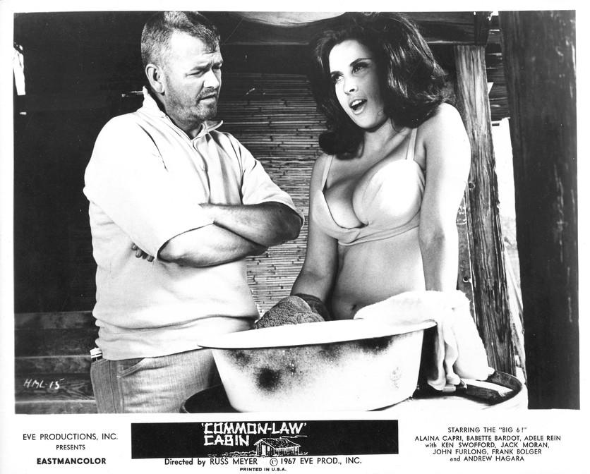 La obsesión por los senos que llevó a un director a crear las películas más sensuales de la historia 5