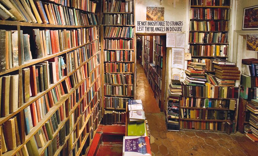Shakespeare and Company, la librería que todo amante de la lectura de paso por París debe visitar 1