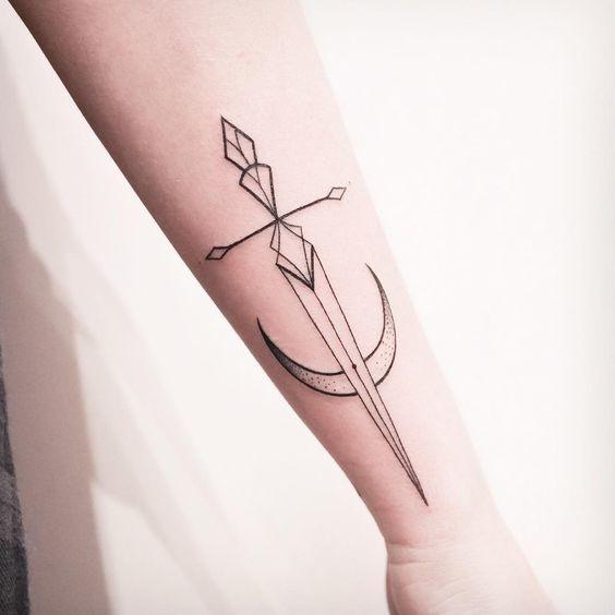 12 tatuajes que significan honor y poder que nunca pasarán de moda 8