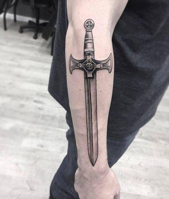 tatuajes de espadas 10
