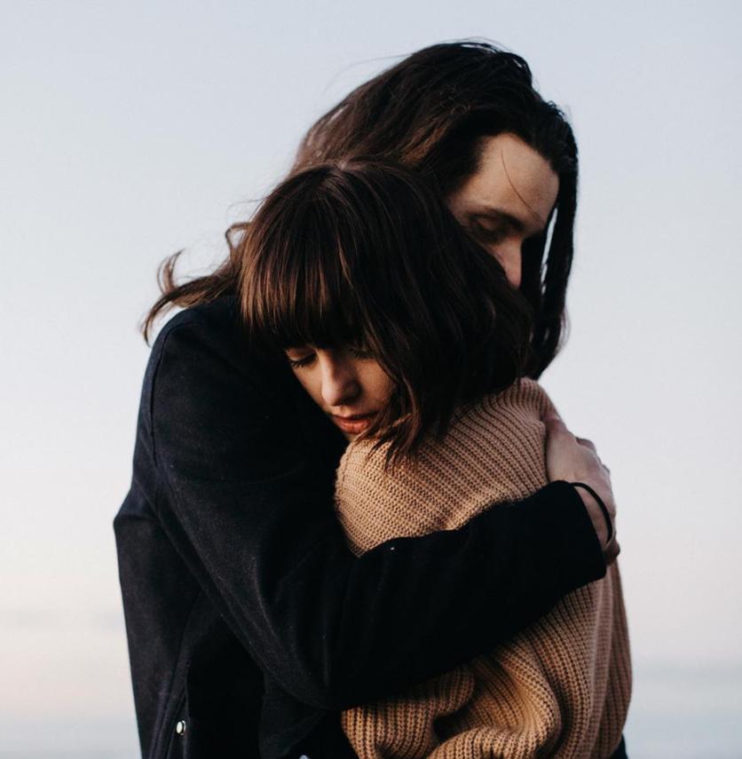 Señales de que tu pareja se siente inferior a tu ex 7