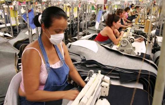 mexicanas aun piden permiso para salir y trabajar 1