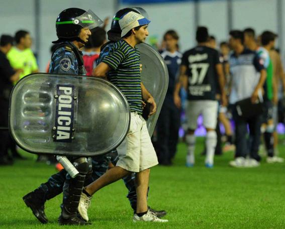 profugos argentinos caen por ir al estadio 3