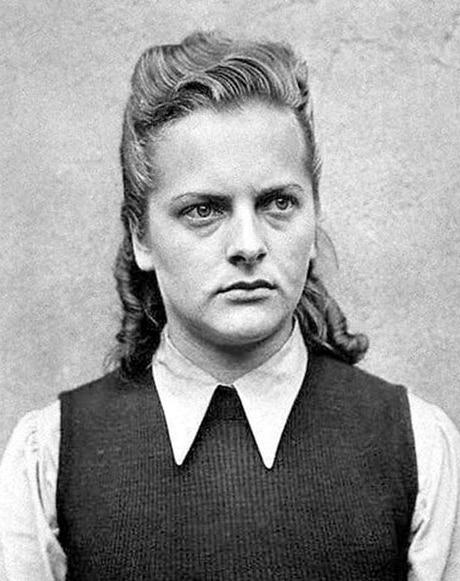 mujeres nazis matan a judios 2