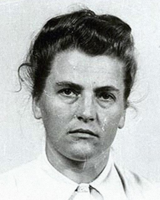 mujeres nazis matan a judios 5