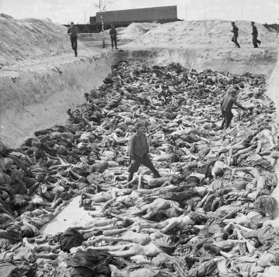 mujeres nazis matan a judios 6