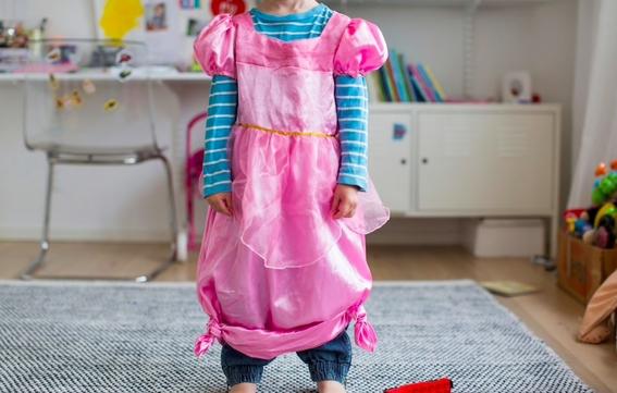 obispo de iglesia anglicana invita a padres dejar usar vestido a sus hijos 2