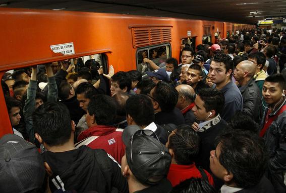 como es viajar en el metro de la cdmx 2