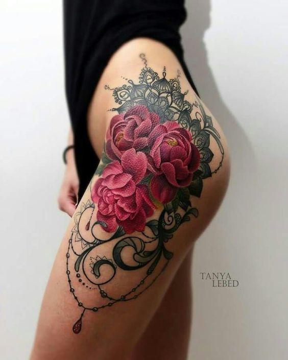 Tatuajes perfectos para mujeres sin curvas 10