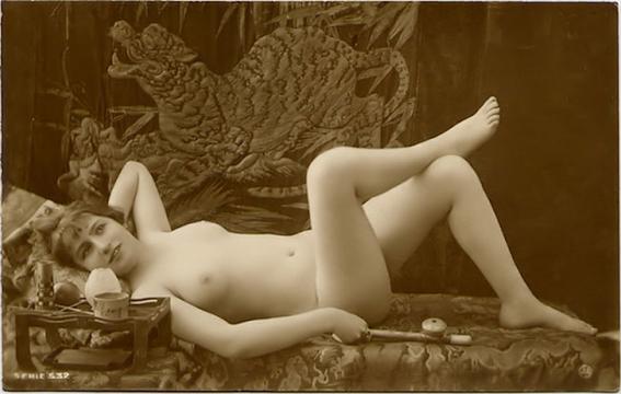 fotografias historicas de mujeres fumadoras de opio 2