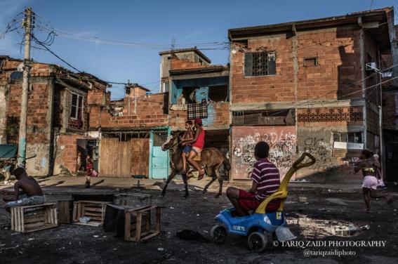 fotografias sobre la pobreza en brasil de tariq zaidi 8