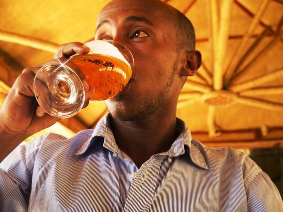 cerveza alivia dolor de cabeza mas que paracetamol 1