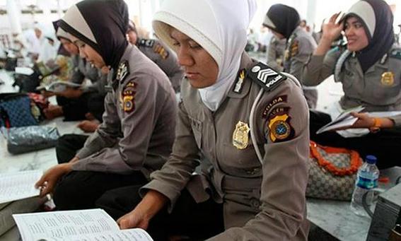 prueba de la virginidad a mujeres de indonesia 1