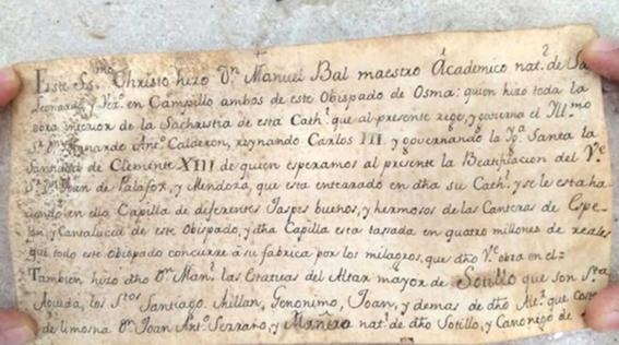 crucifijo es capsula de cartas antiguas 4