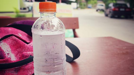 tomar dos litros de agua al dia no es bueno 3