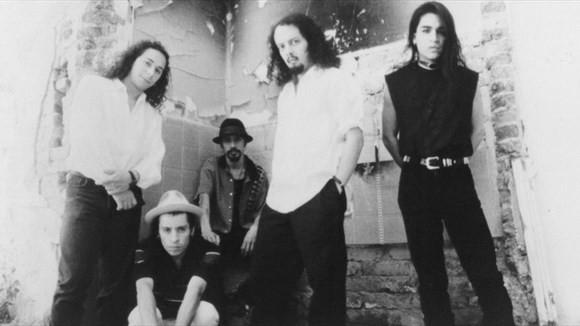 Canciones para entender uno de los mejores discos del rock en español de los últimos 30 años 0