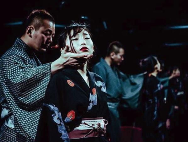 La mujer que usa shibari para hacer arte erótico con todo su cuerpo 5