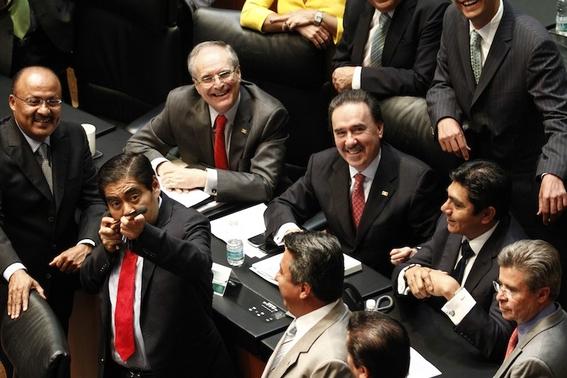 aguinaldos de funcionarios publicos en mexico 2