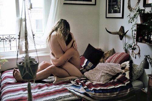"""Qué es el """"enfoque sensorial"""" y cómo puede mejorar tu vida sexual sin penetración 0"""