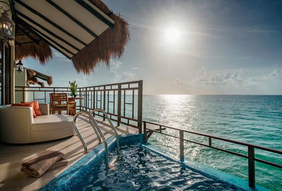 hotel flotante en caribe mexicano 2