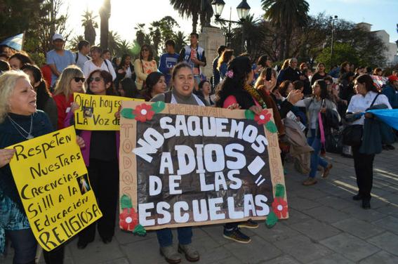 prohiben clases de religion en escuelas argentinas 1