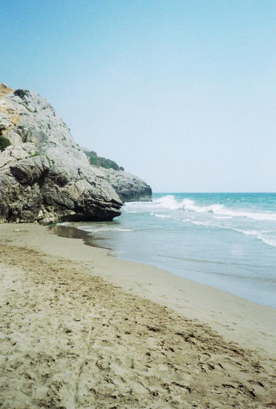 surgiras serenamente sin silencios en el mar de tu cadera 2