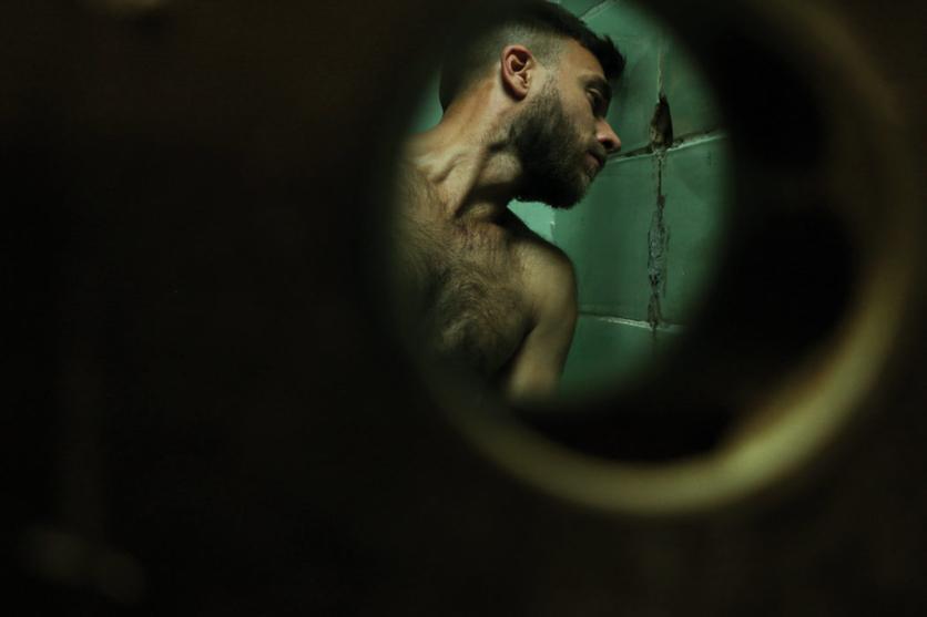 Encuentros sexuales en un baño público en 13 fotografías 4