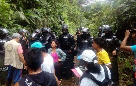 indigenas pelean contra el narcotrafico por sus tierras 1