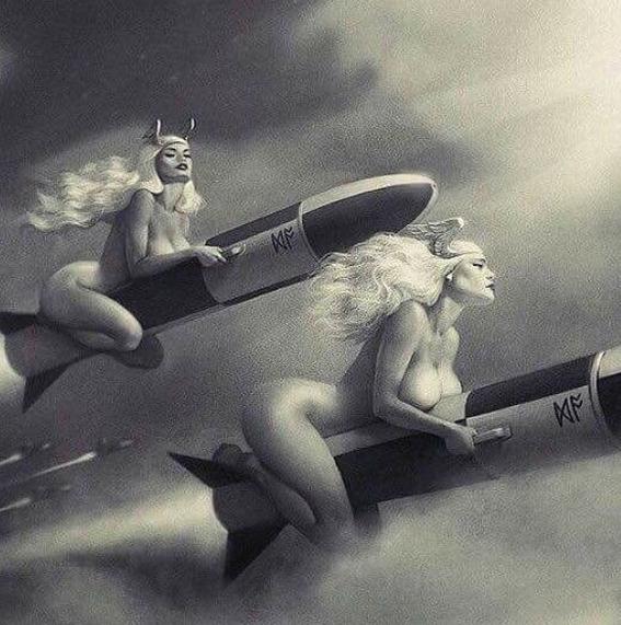 ilustraciones de guerreras y mujeres fatales 5