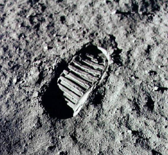 teorias de la conspiracion sobre la llegada del hombre a la luna 2