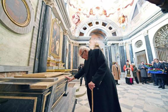 italia rechaza los restos de vittorio emanuele 2