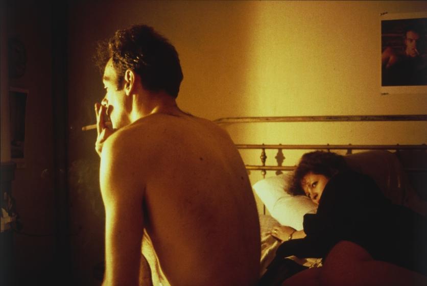 Fotografías de Nan Goldin sobre la intimidad, sexo y dependencia de una juventud decadente 4
