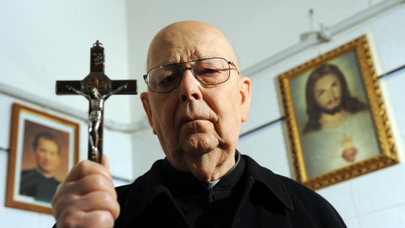 Los oscuros exorcismos que practicó Juan Pablo II y que la Iglesia nunca desmintió 3