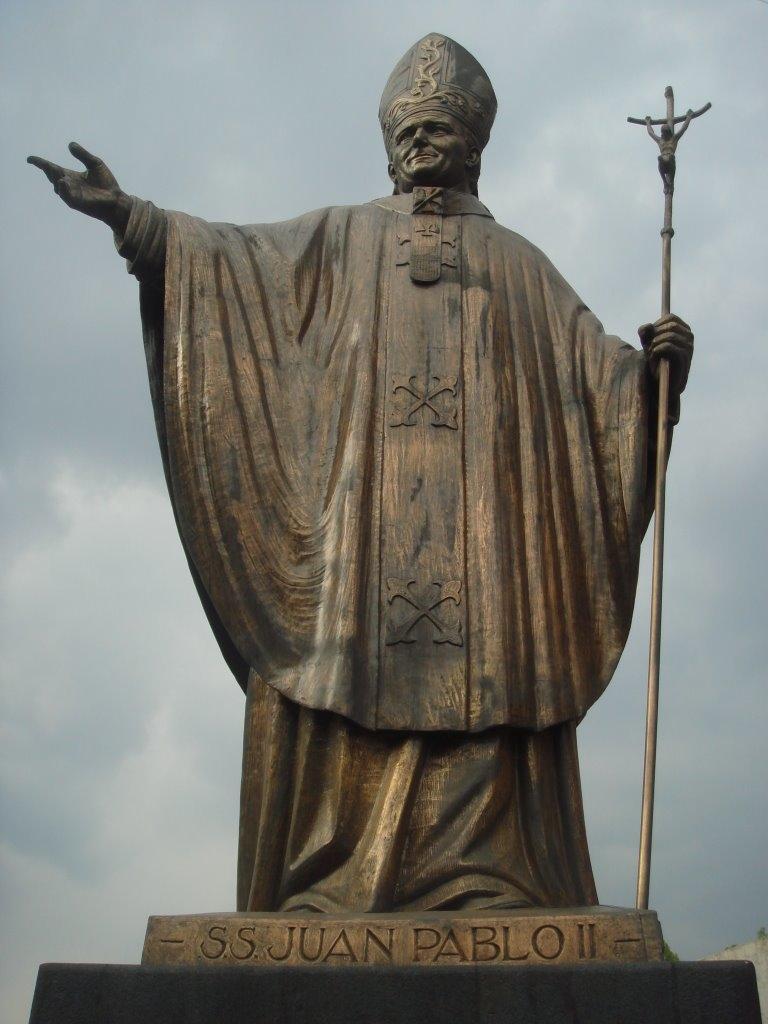 Los oscuros exorcismos que practicó Juan Pablo II y que la Iglesia nunca desmintió 7