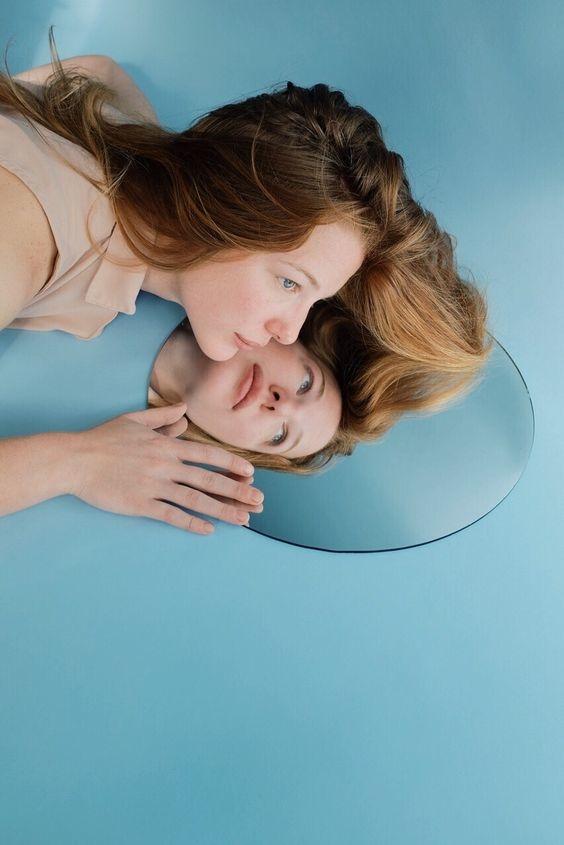 La brutal diferencia entre ser egocéntrica y tener alta autoestima 3