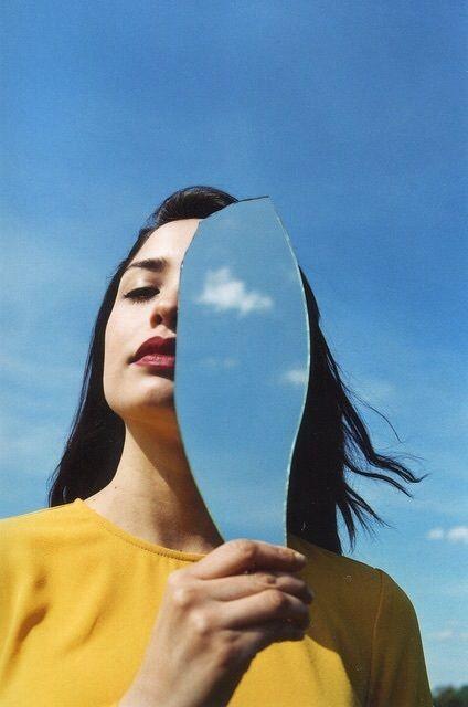 La brutal diferencia entre ser egocéntrica y tener alta autoestima 5