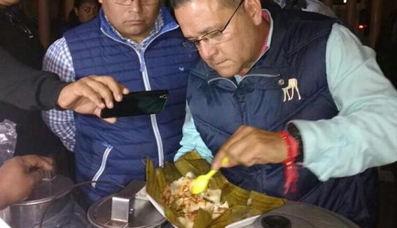 Investigan tamales hechos con carne de perro