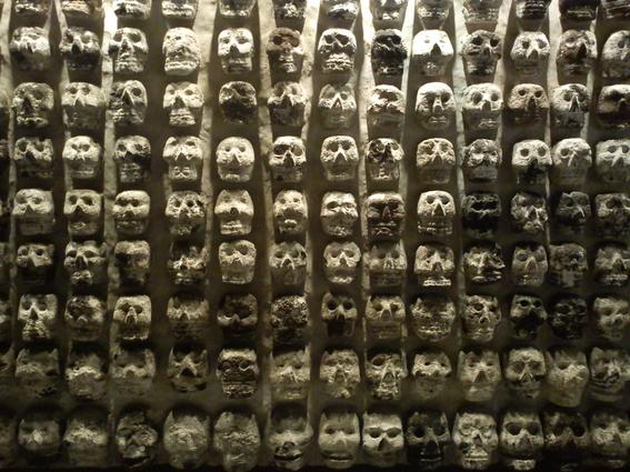 tzompantli tower of human skulls in mexico 1