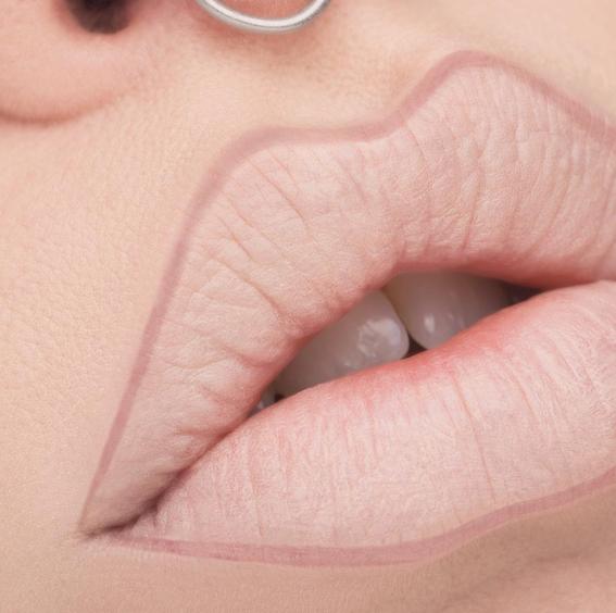 lip blush tattoo trend 1