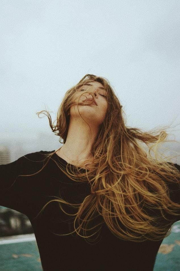 10 hábitos que tiene una mujer que ha madurado 0