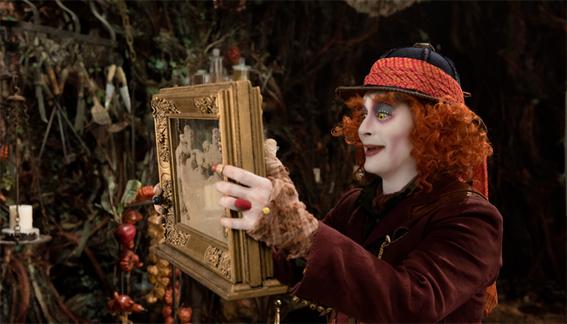 claves para entender alicia a traves del espejo 2